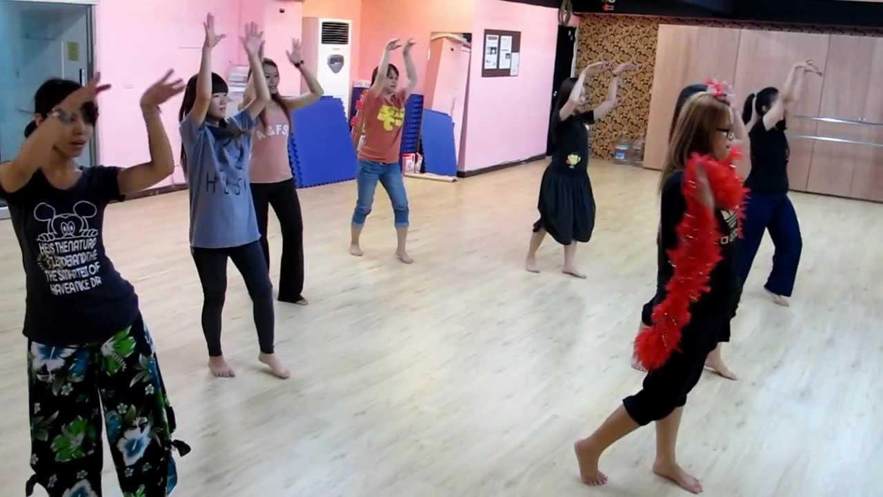 臺南唯馨舞蹈 流水年華舞蹈排練 - YouTube