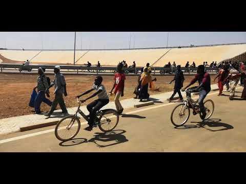 La population prend d'assaut l'échangeur du Nord de Ouagadougou après l'inauguration