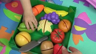 ✿Элла режет овощи и варит овощной суп для Беби Борна ✿ Обучающее видео для детей ✿ Овощи на липучках