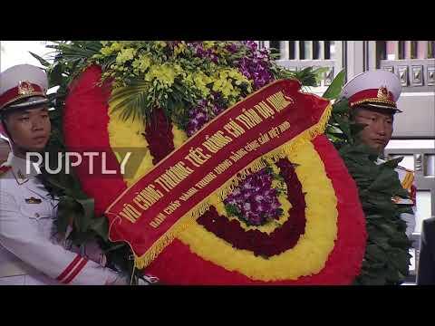 Vietnam: Hundreds pay tribute to Vietnam's late president in Hanoi