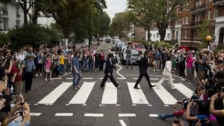 Скачать Beatles Abbey Road Crossing Packed For 45th Anniversary