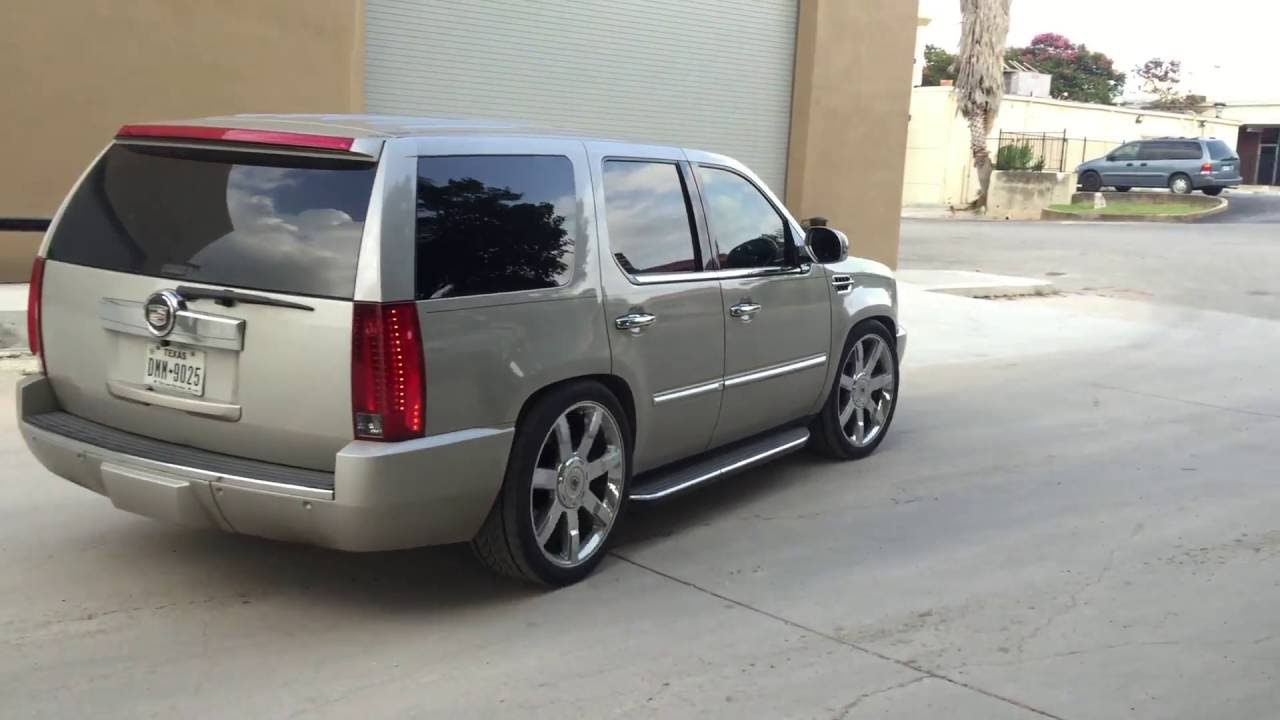 2010 Gmc Yukon Denali >> Escalade with roof-rack removed, wilwood brakes and drop kit - YouTube