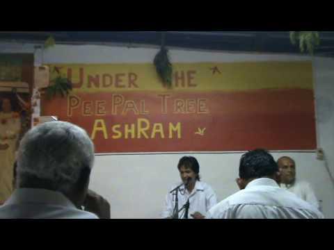 Sri Ajnish Rai sings Prashanti Sai Prashanti Baba