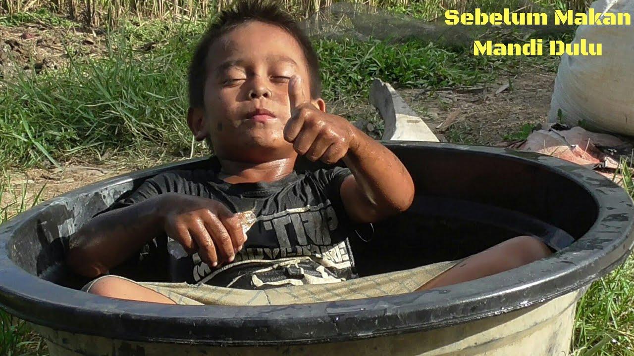 Adit Bocil    Mukbang Iwak Susu di Pinggir Sungai    Catch and Cook Bocah Ngapak Gokil