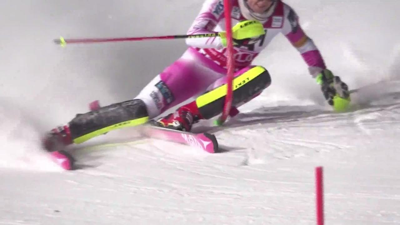 Mikaela Shiffrin Flachau Slalom Run 1 - 2017 - YouTube