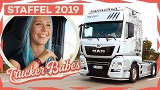 Sabrina auf dem Weg zum Truck Grand Prix! Schafft sie es rechtzeitig? | Trucker Babes | kabel eins
