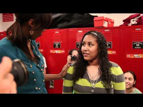 Lisa Leslie surprises Kaleena Mosqueda-Lewis: 2010-11 National Girls Basketball POY
