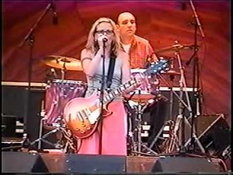 Kay Hanley Mean Streak live @ the Hatch Shell Boston 2001