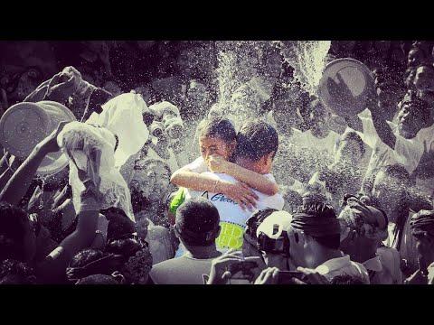 Tradisi Bali - Omed Omedan ( Bali Kissing Festival )