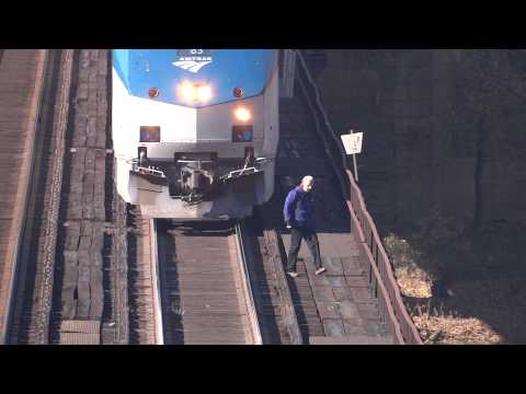 Thumbnail: Amtrak Stopping on Harper's Ferry Train Trestle
