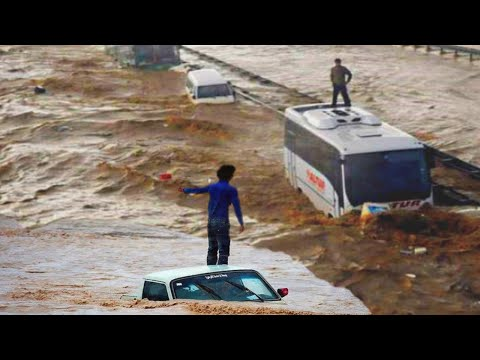 IZMIR WENT UNDER WATER: Terrible flooding in Turkey 2021 / Natural Disasters. Bad Weather. Сlimate