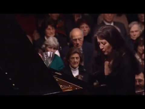 Argerich - Whirlwind speed encores