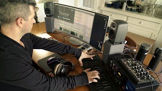 Tech Talk: Inside Joshua Eustis / Telefon Tel Aviv's Sound Lab (Electronic Beats TV)
