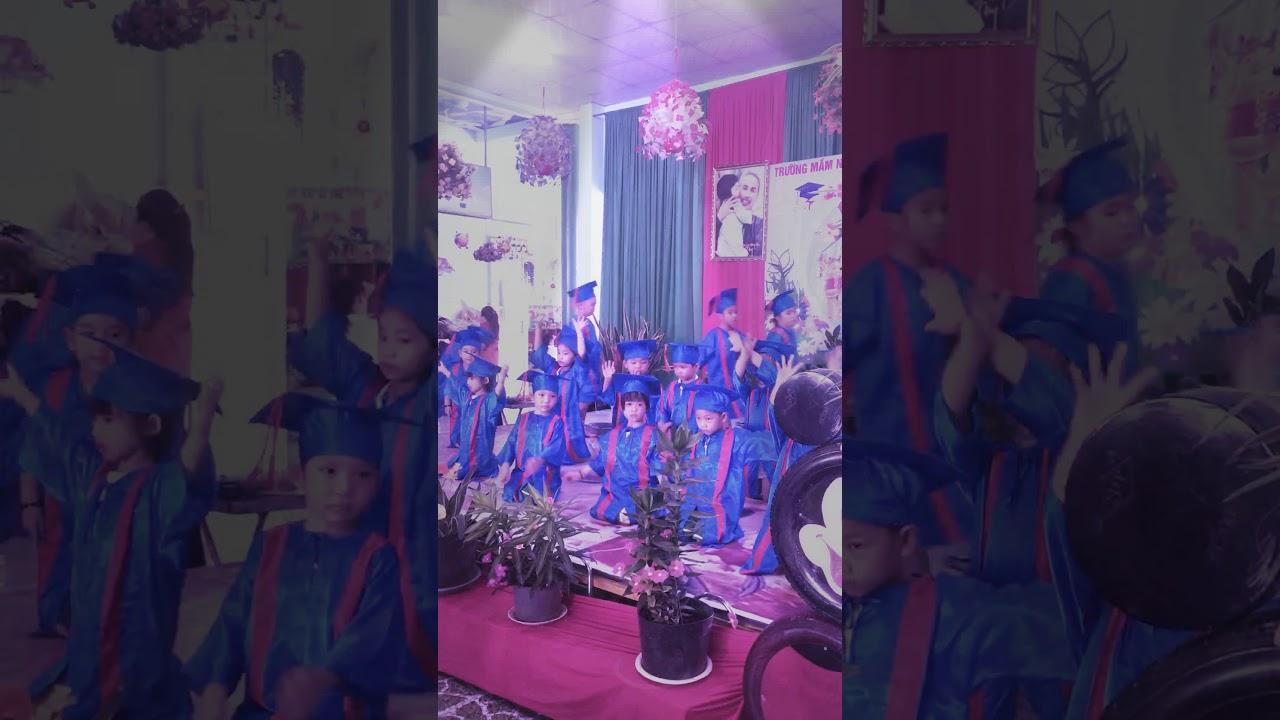 Lễ tốt nghiệp của Bé Na
