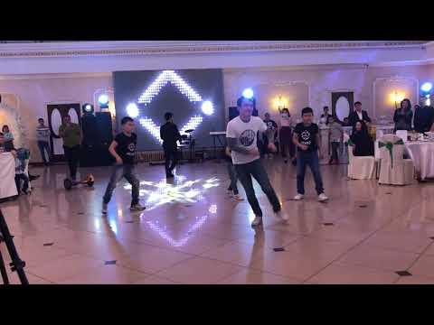 Танцуют мои Адайцы, под руководством Асылбека