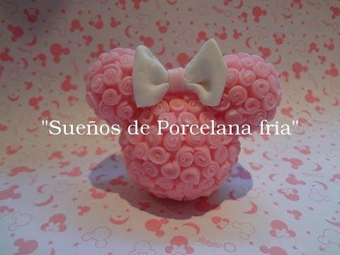 Centro de Torta Minnie con rosas en porcelana fria