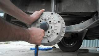 видео Замена колодок lada 2115i (ваз 2115i)