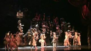 2010年4月29日、新名古屋ミュージカル劇場で上演中の『オペラ座...