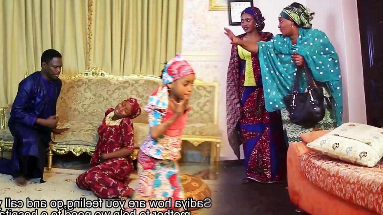 Download muguwar sabuwar mata mahaifina ya aura mahaifiyata - Hausa Movies 2021   Hausa Films 2021