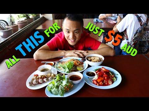 Vegetarian Thai Food in Bangkok | Chamlong's Asoke (จำลอง สันติอโศก)