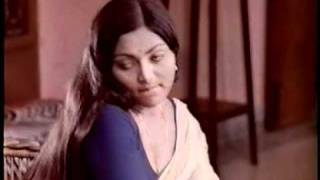 Video SARITHA ACTRESS DEEP CLEVAGE download MP3, 3GP, MP4, WEBM, AVI, FLV Mei 2018