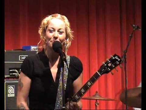 Agua De Annique - Hey Okay (live 24th of October 2009, Amsterdam)