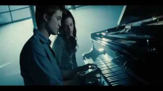 ACTUAL Twilight Piano Scene - Bella
