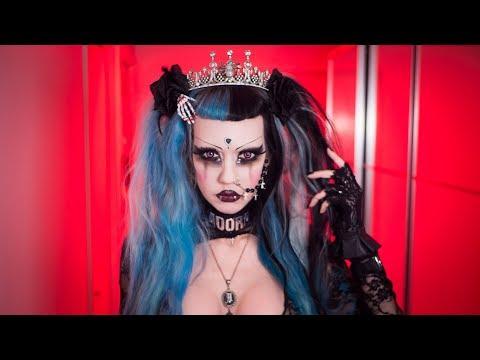 Meet a Goth Queen   Adora BatBrat