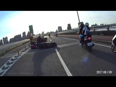 8月(第1+2周) AUGUST 台灣車禍實錄 天雨路滑 行車請小心 车祸 交通事故動画 TAIWAN Cars Accidents Dashcam