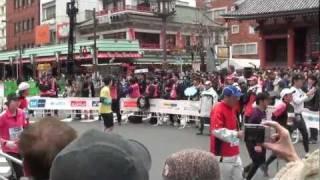 ITOU ASAKO kAMINARIMON tokyo marathon 2012, by picua.