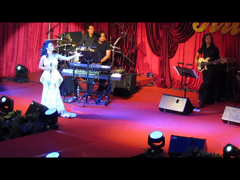 Krisdayanti with Dato' M Daud Kilau