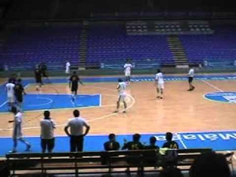 Bm ciudad de malaga 34 fuengirola el coto 26 youtube for Polideportivo ciudad jardin malaga