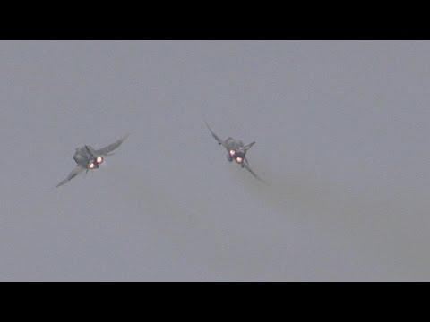 2016新田原エアフェスタ・RF-8航空偵察隊による飛行展示