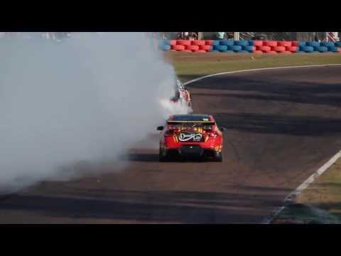 2013 V8 Supercars - Hidden Valley - Race 19 - Craig Lowndes Burnout [HD]
