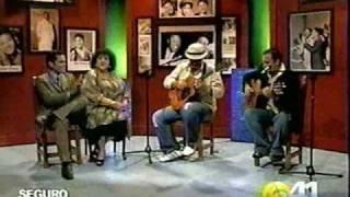 Repeat youtube video Besos Discretos_Duo Contrastes_Trova Cubana
