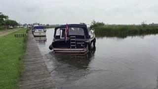 Motorjacht instructie: Manoeuvreren afvaren met een loeflijn