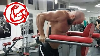 видео Отжимания от пола: какие мышцы качаются и работают