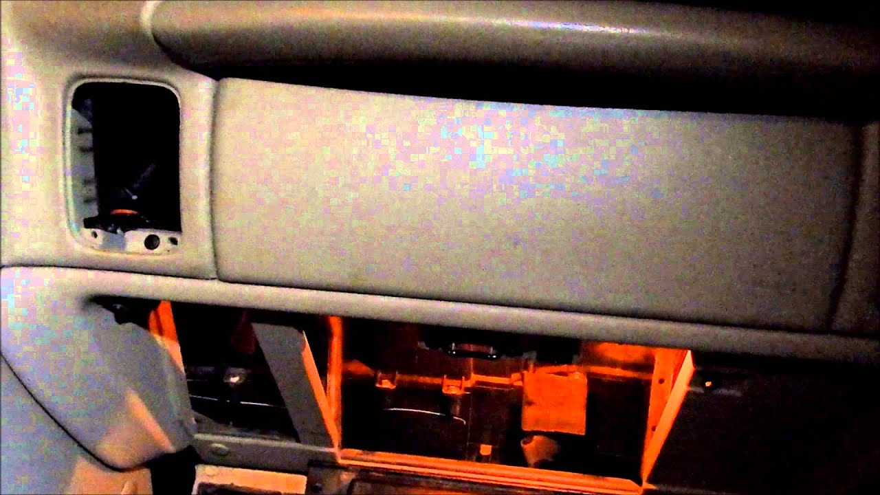 Changing Passenger Side Air Door Actuator on 2003 Chevy 2500