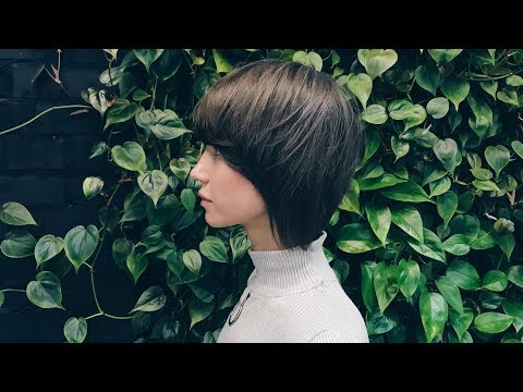 Commercial Bob Women's Haircut