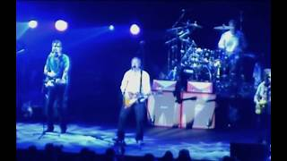 "Mark Knopfler ""Intro,,Why aye man"" 2005 PARIS multi-camera"