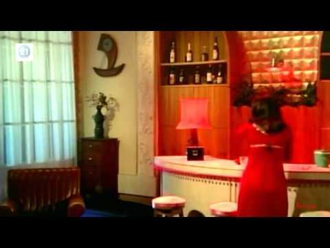 Suniye Zara Dekhiye Na (II) - Geeta Mera Naam (1974) HD