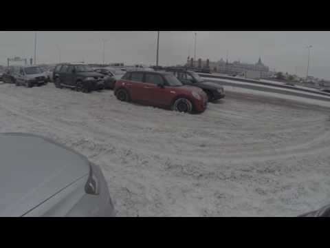 MINI 5 Door POV: Daily Driving in Snow