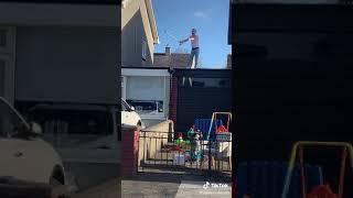 Man does Freddie Mercury during lockdown