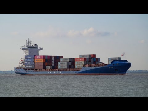 Feeder container ship SPICA J makes 1st call to the port of felixstowe 10/11/19.