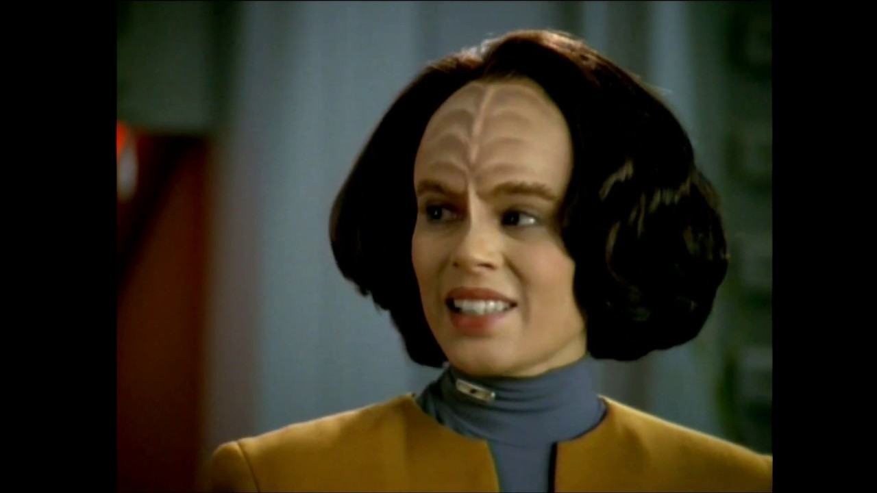 Download Star Trek Voyager - Be'Lanna's Promotion To Chief Engineer (Season 1 Ep. 2) Edited