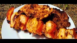 Sunetul grătarului carne de porc și frigărui de pui