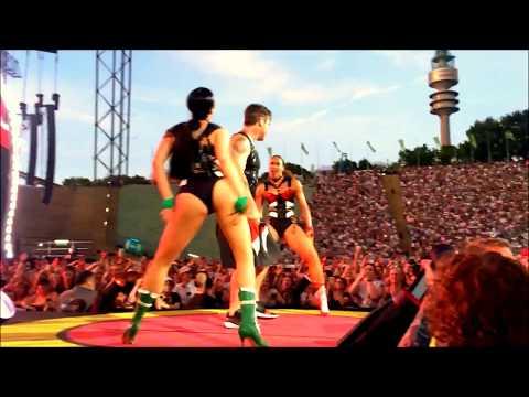 Robbie Williams Live - Germany Deutschland, München, Munich Olympiastadion 22.07.2017 first row