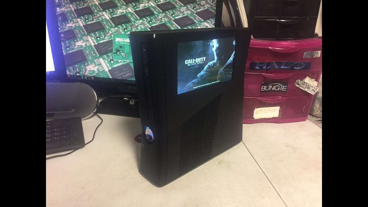 xbox 360 slim w built in lcd screen youtube. Black Bedroom Furniture Sets. Home Design Ideas