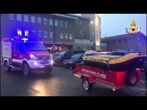 la partenza da Cuneo della colonna mobile dei Vigili del fuoco