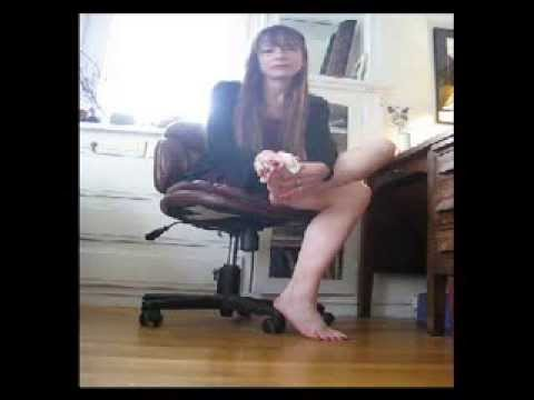 mistress claire washes her dirty bare feet wmv youtube